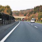 駐停車禁止の高速道路で安全に停車、避難するにはどうすればいいの?