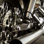バイクのバッテリー交換費用が高いと感じたら、互換バッテリーを使えば費用が半分以下に!